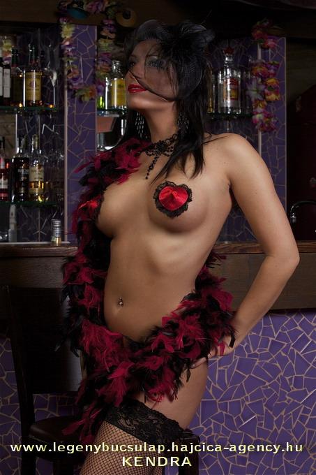 Jelmezes-erotikus-show